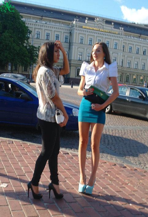 молодые девушки познакомившиеся с немцем